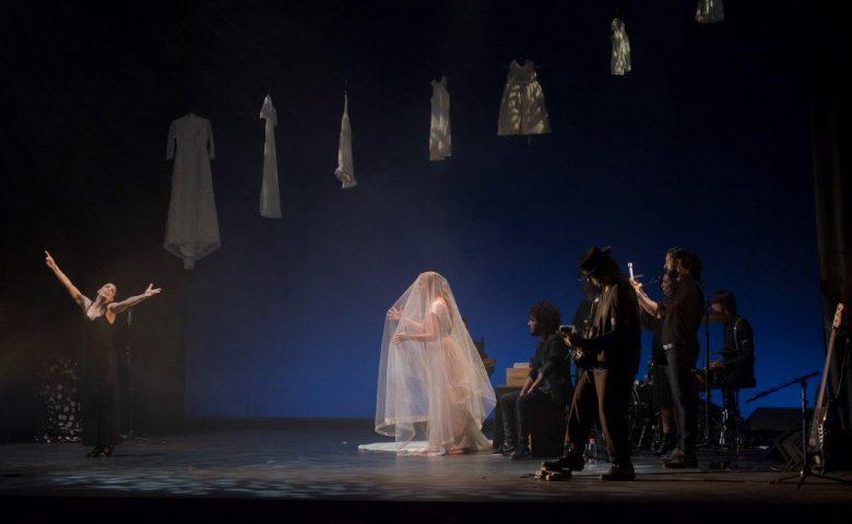 """A través de los años, """"A través de la luz"""", una obra de Fernando Vacas"""