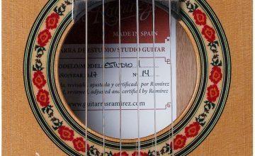 El Zoco entre particulares:  Vendo guitarra, es una Ramírez, es la guitarra!