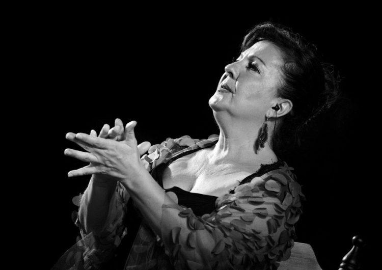 Mujeres, al cante, una contribución imprescindible