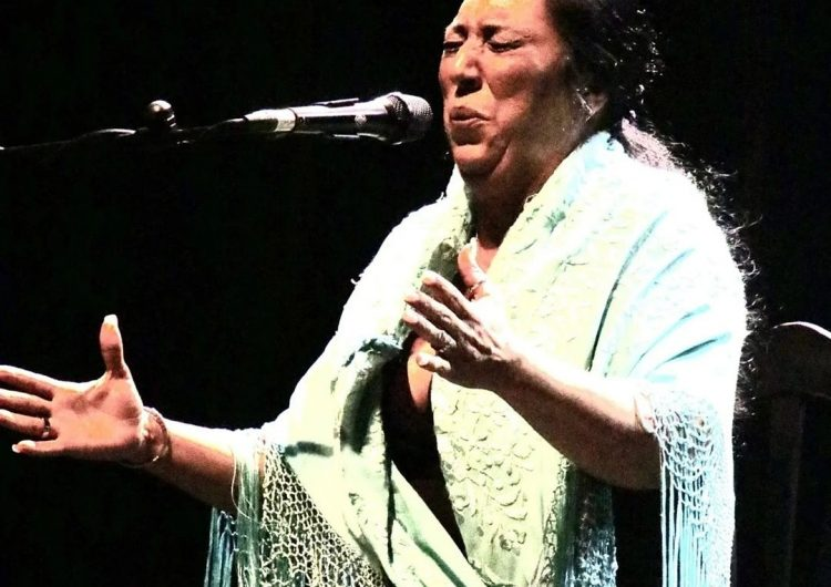 "Amparo Heredia, ""La Repompilla"", Lámpara Minera 2021, segunda mujer gitana que lo consigue"